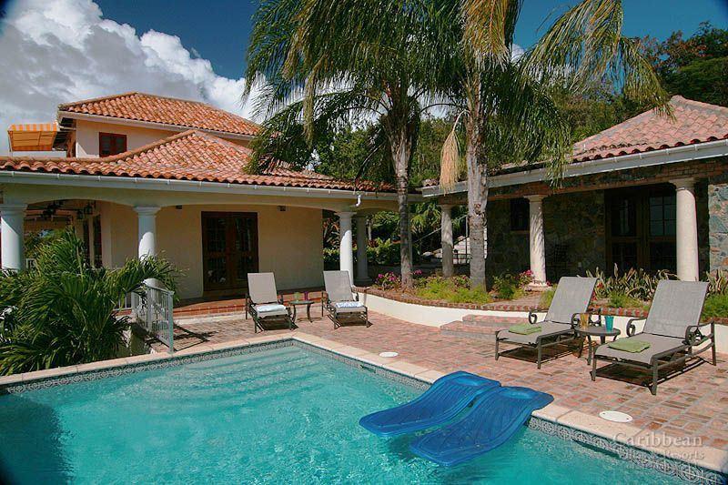 The great house and stone cabana of Vista Caribe